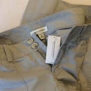NEW WITH TAG banana republic khaki pants